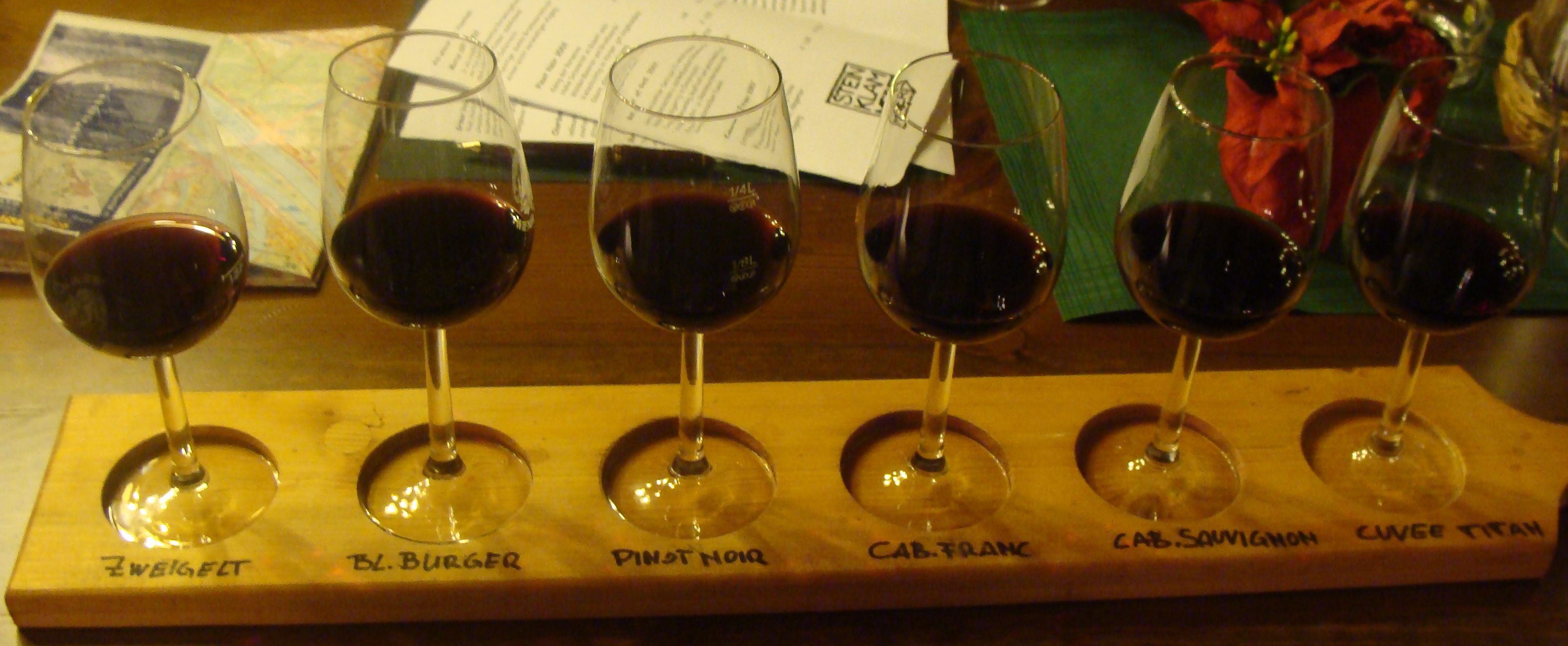 """smart"" wine tasting board"