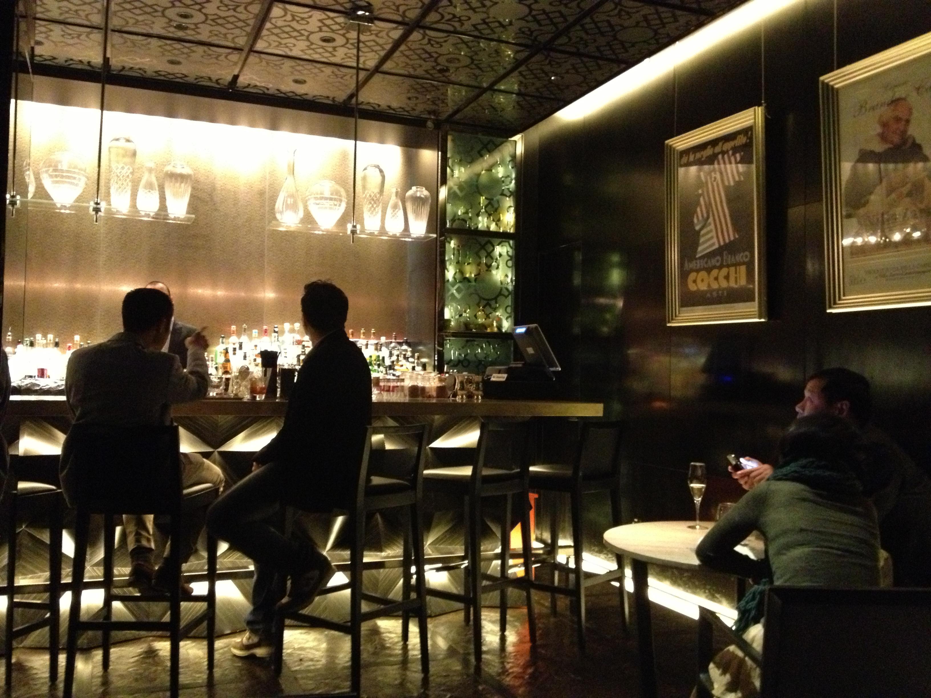 81/2 Bombana bar
