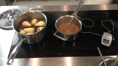 Controlling temperature in a pot at L'Atelier des Chefs cooking school