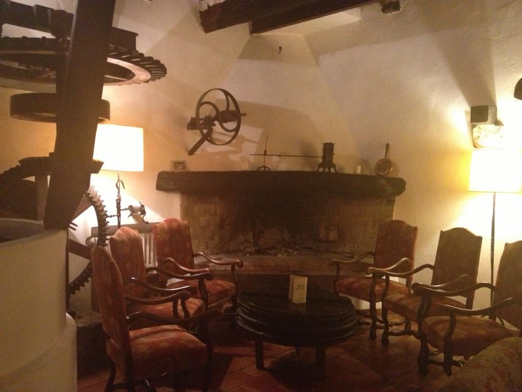 Charming bar at L'Escourtin