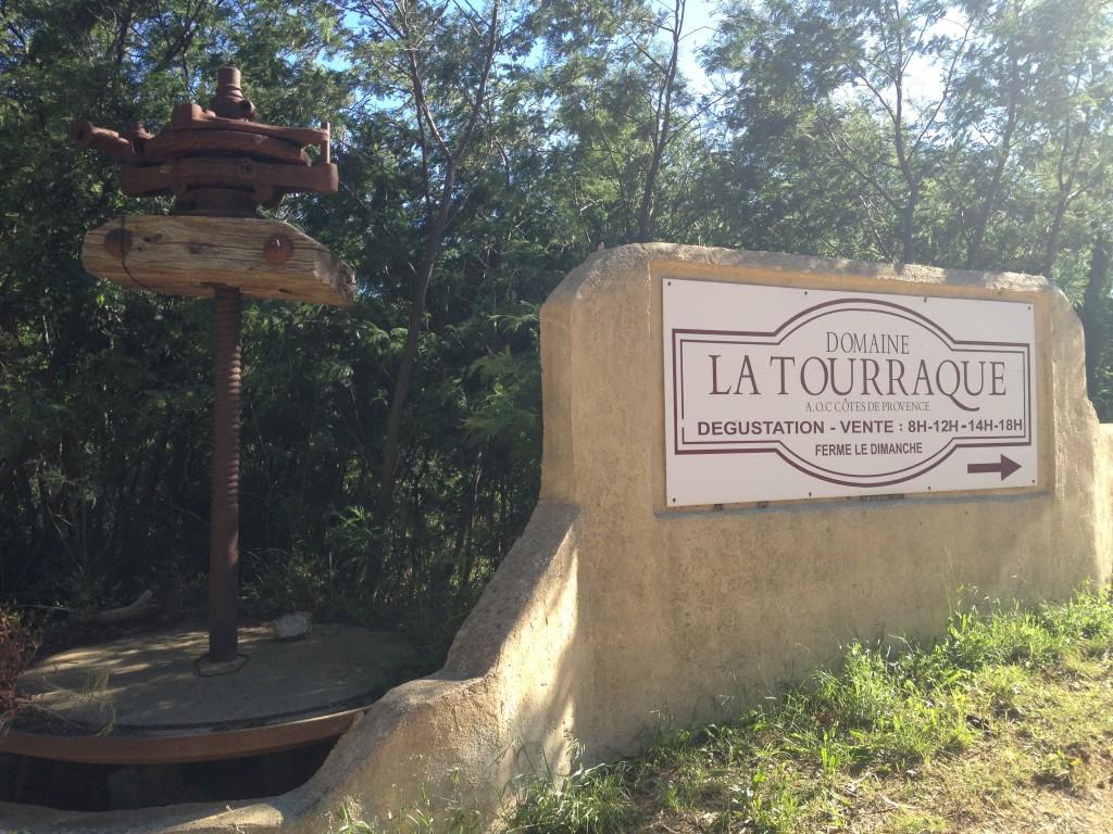 Domaine La Touraque entrance