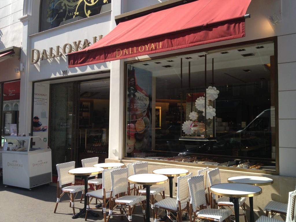 Dallolyau Paris cafe
