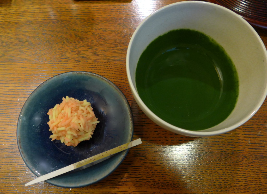 Kyoto-style thick matcha with kaiseki snack