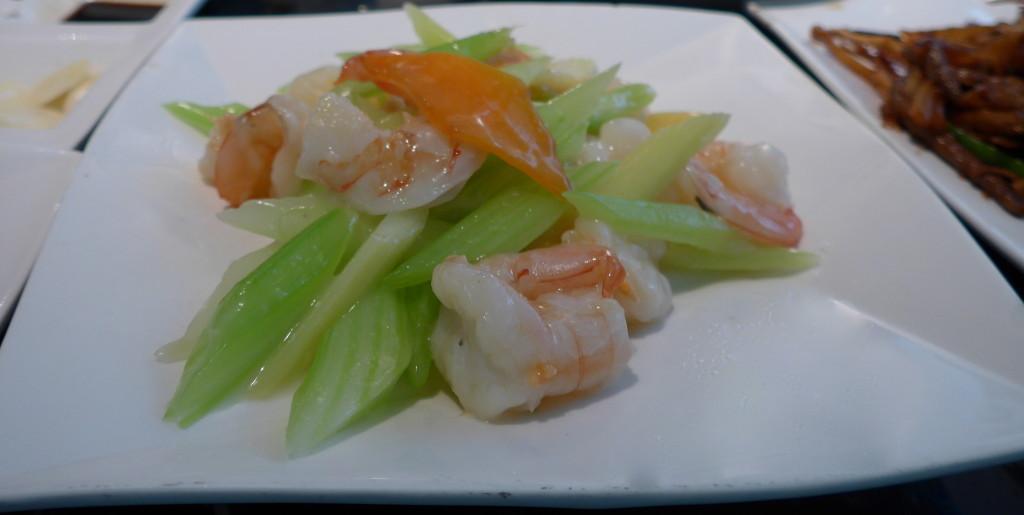 Steamed shrimps with vegetables