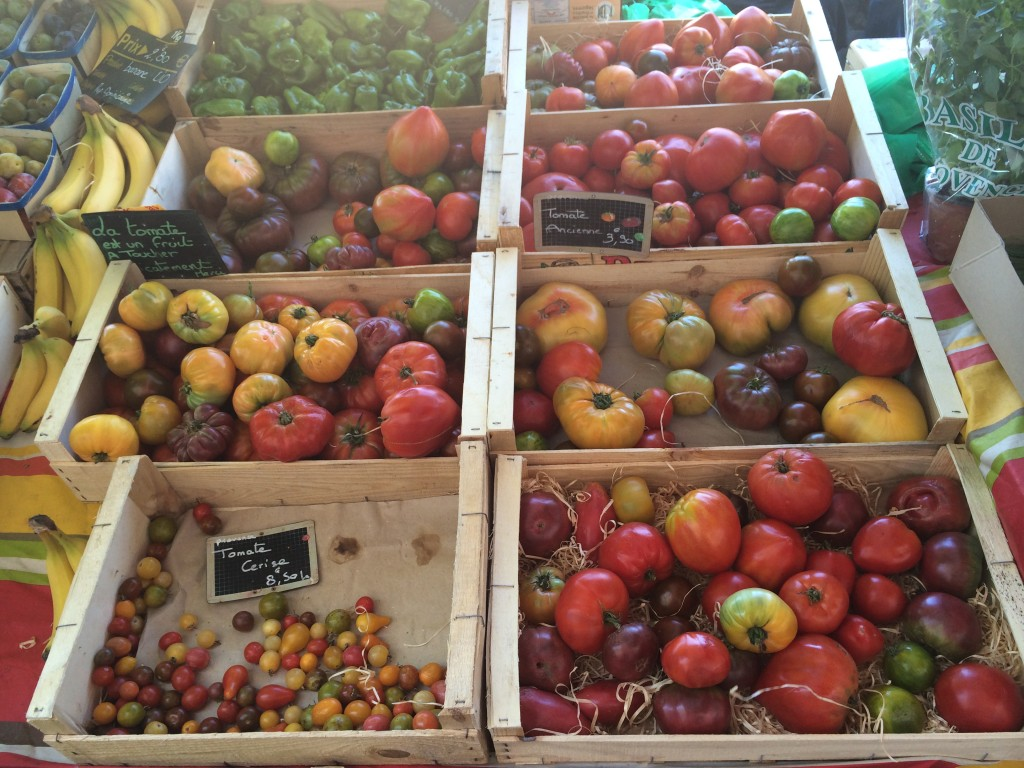 Abundant with colours: tomatoes of Provence